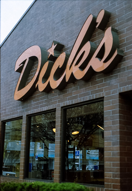 the legendary dicks restaurant in seattle